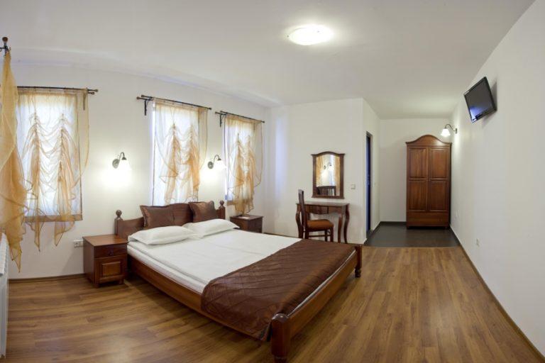 Chorbadji_Petkovi_Hanove_hotel_suite